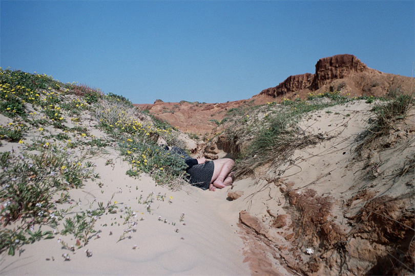 http://sophiamorenobunge.com/files/gimgs/3_lauren-sand-storm.jpg